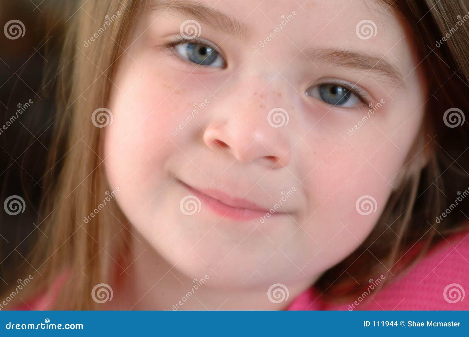 Criança-Feche acima da face