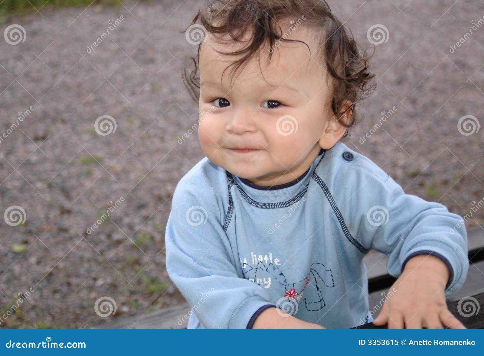Criança feliz.