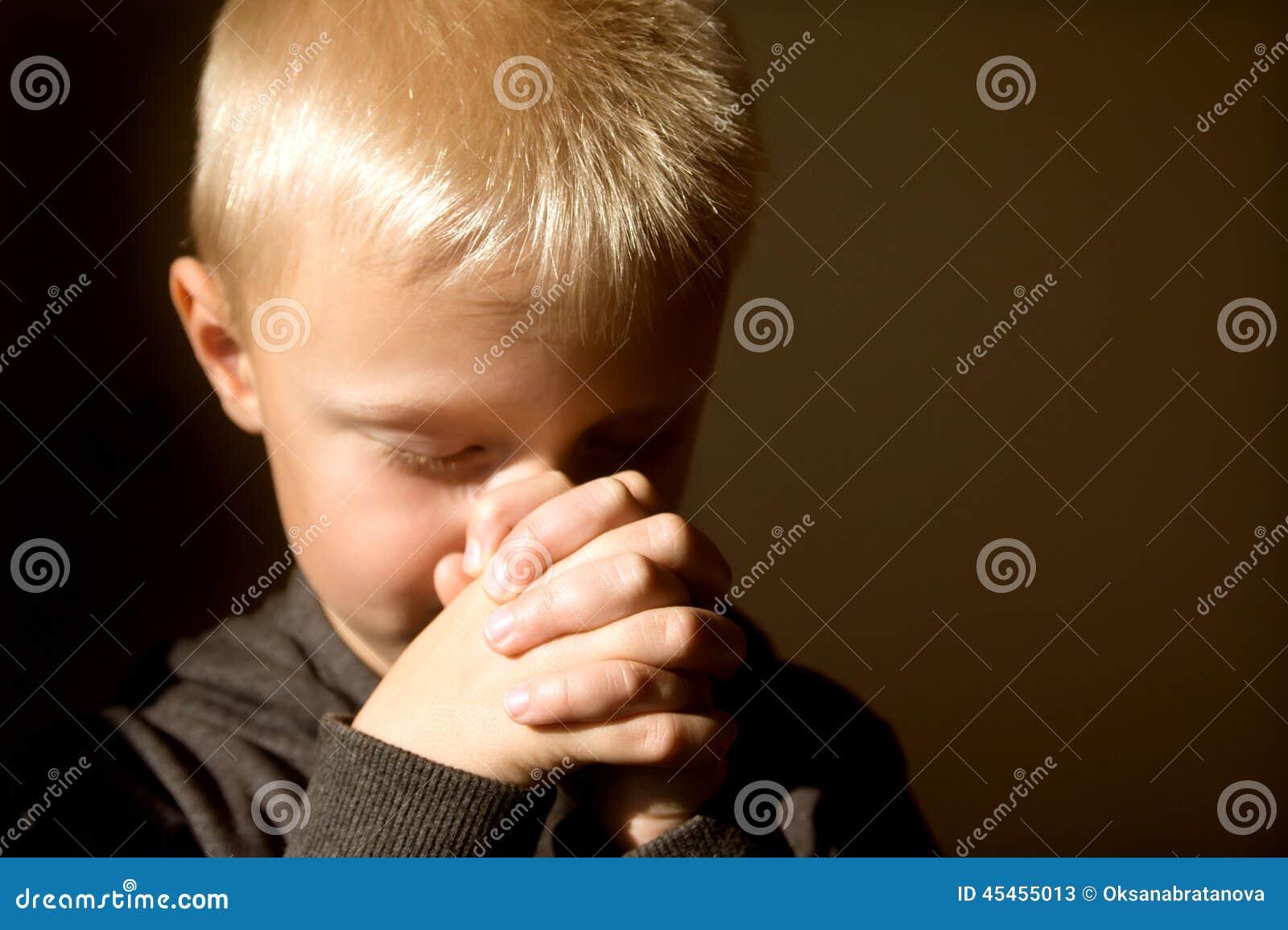 Criança Praying