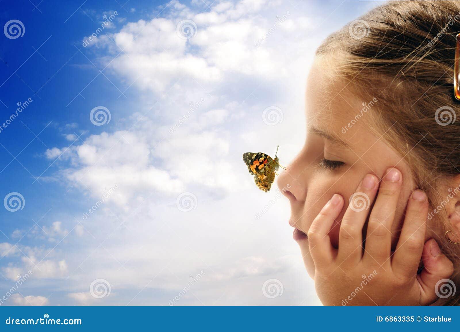 Criança que sonha sobre o futuro