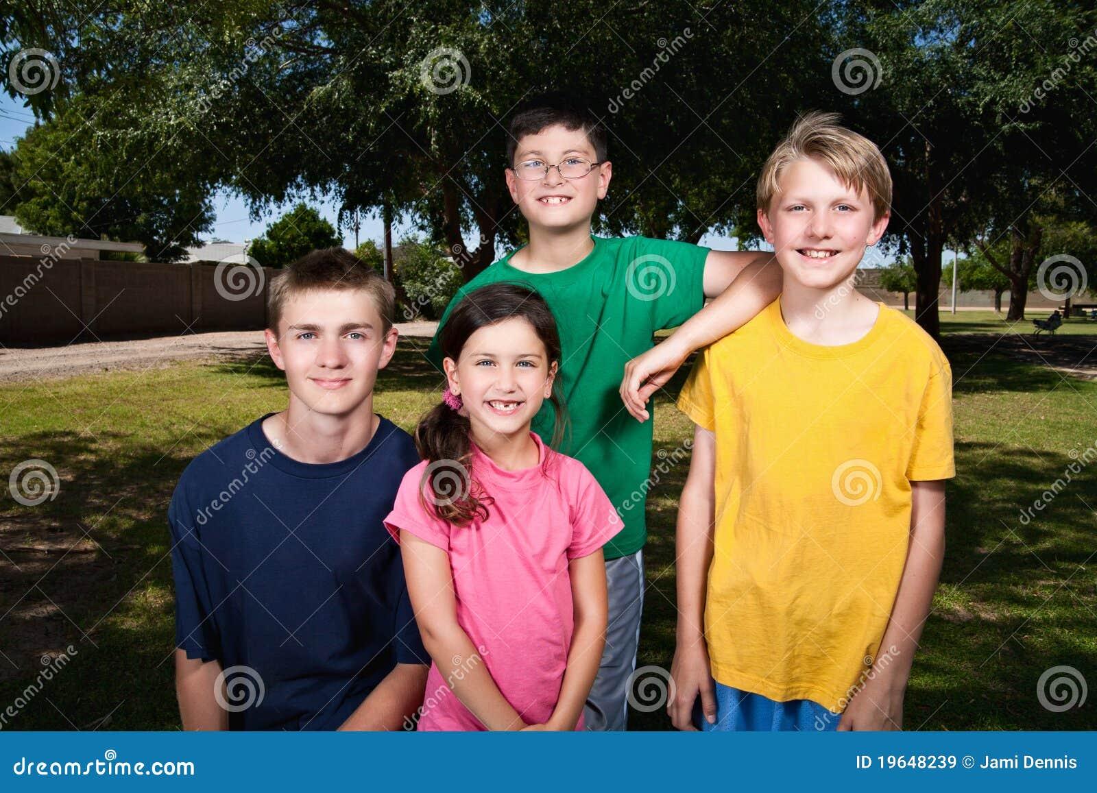 Crianças ao ar livre