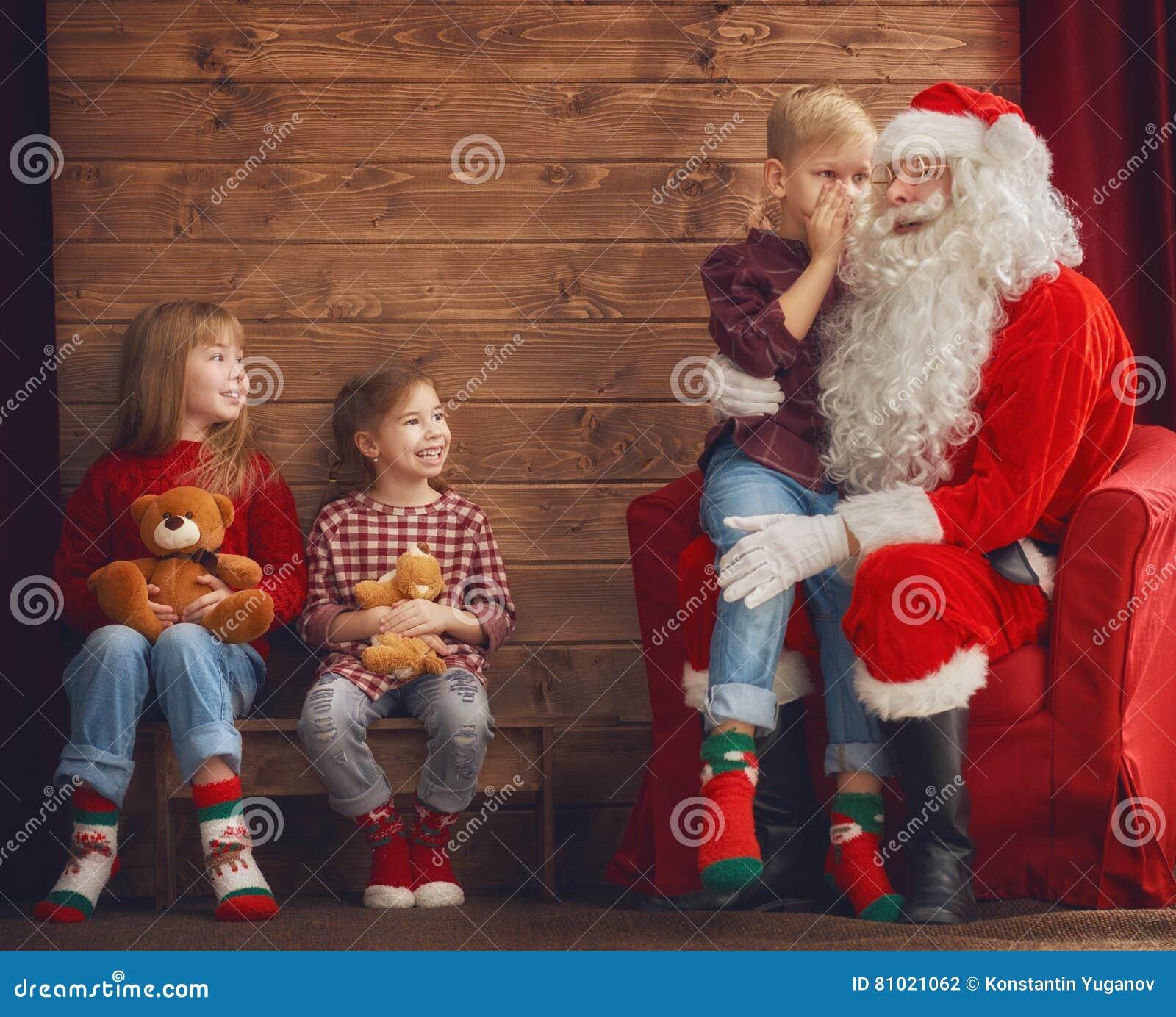 Crianças e Santa Claus