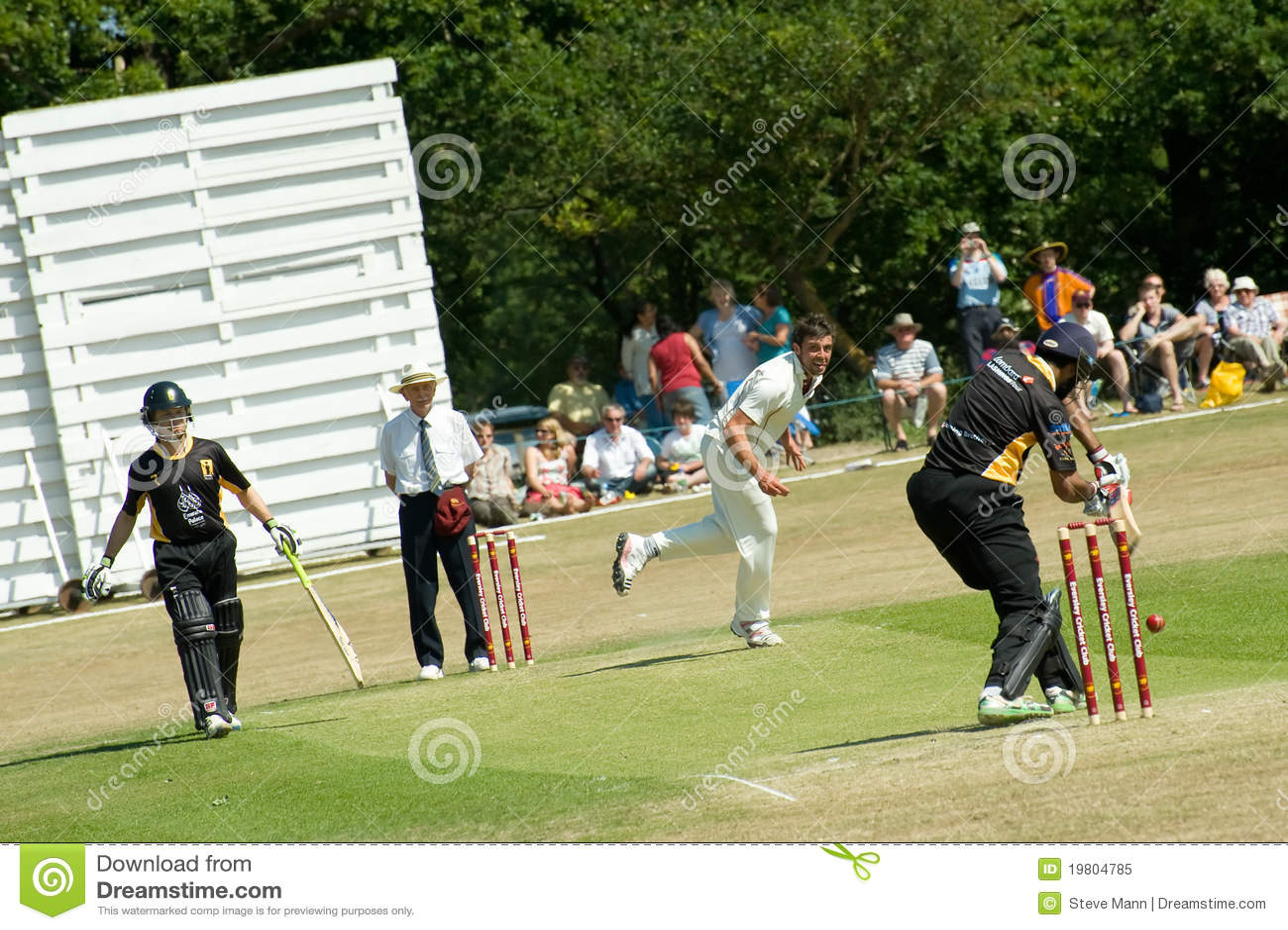 Eversley United Kingdom  city photos : EVERSLEY, UNITED KINGDOM JUNE 3, 2011: Former Indian cricketer Wasim ...