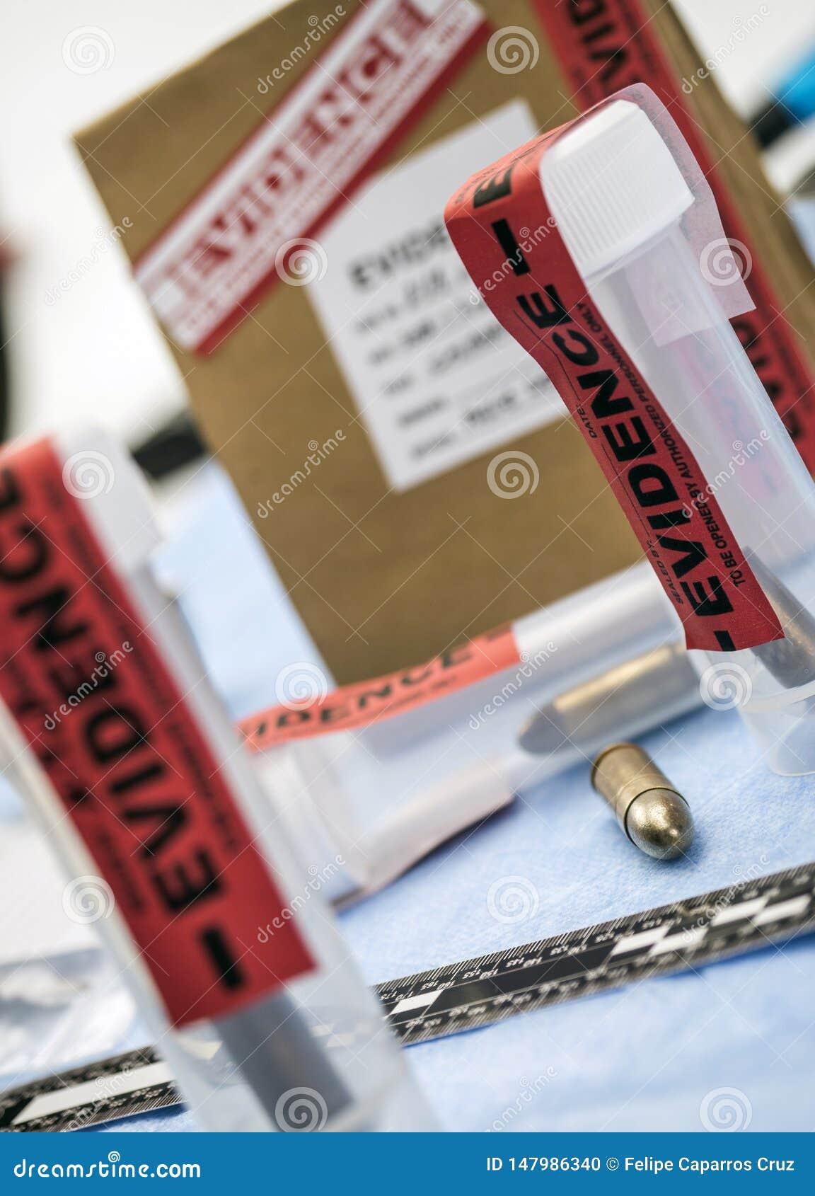 Criminalistic laboratorium, pocisk skorupy analiza