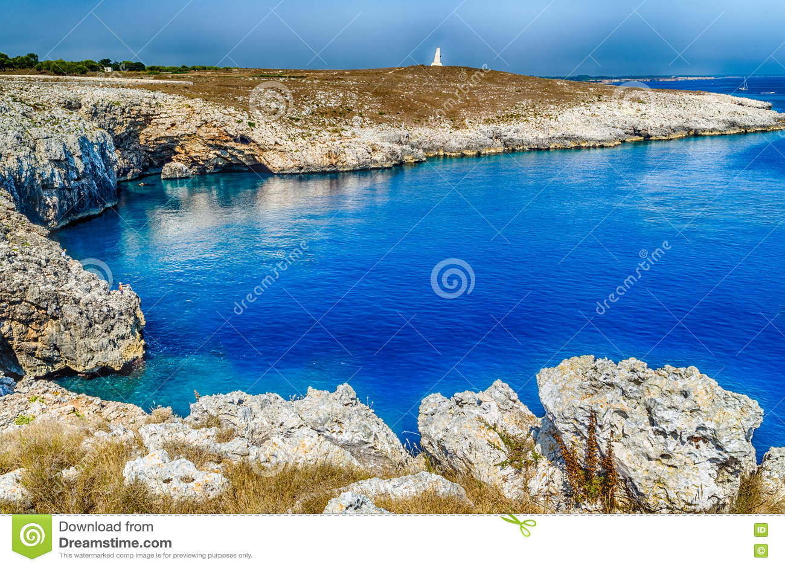 Download Crique Dans La Plage Rocheuse Sur La Mer Adriatique Image stock - Image du méditerranéen, adriatique: 63092181