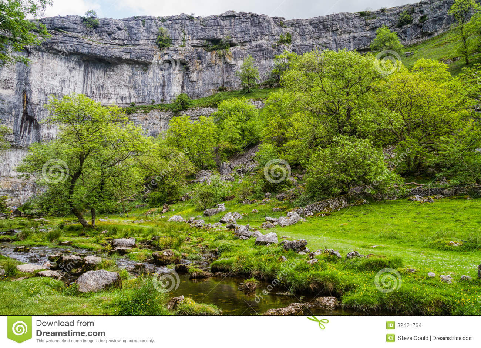 Crique de Malham, parc national de vallées de Yorkshire