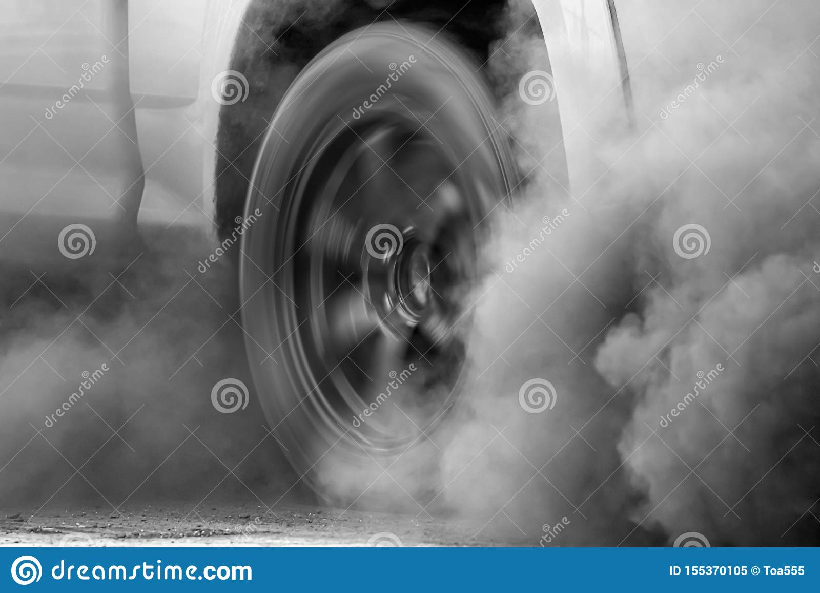 Crise de pollution atmosph?rique dans la ville du pot d ?chappement de v?hicule diesel