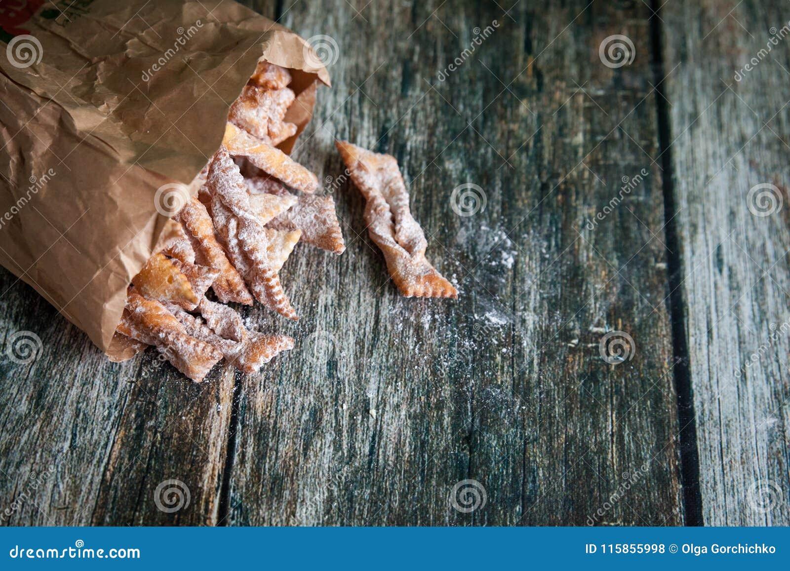 Crisp brushwood 29