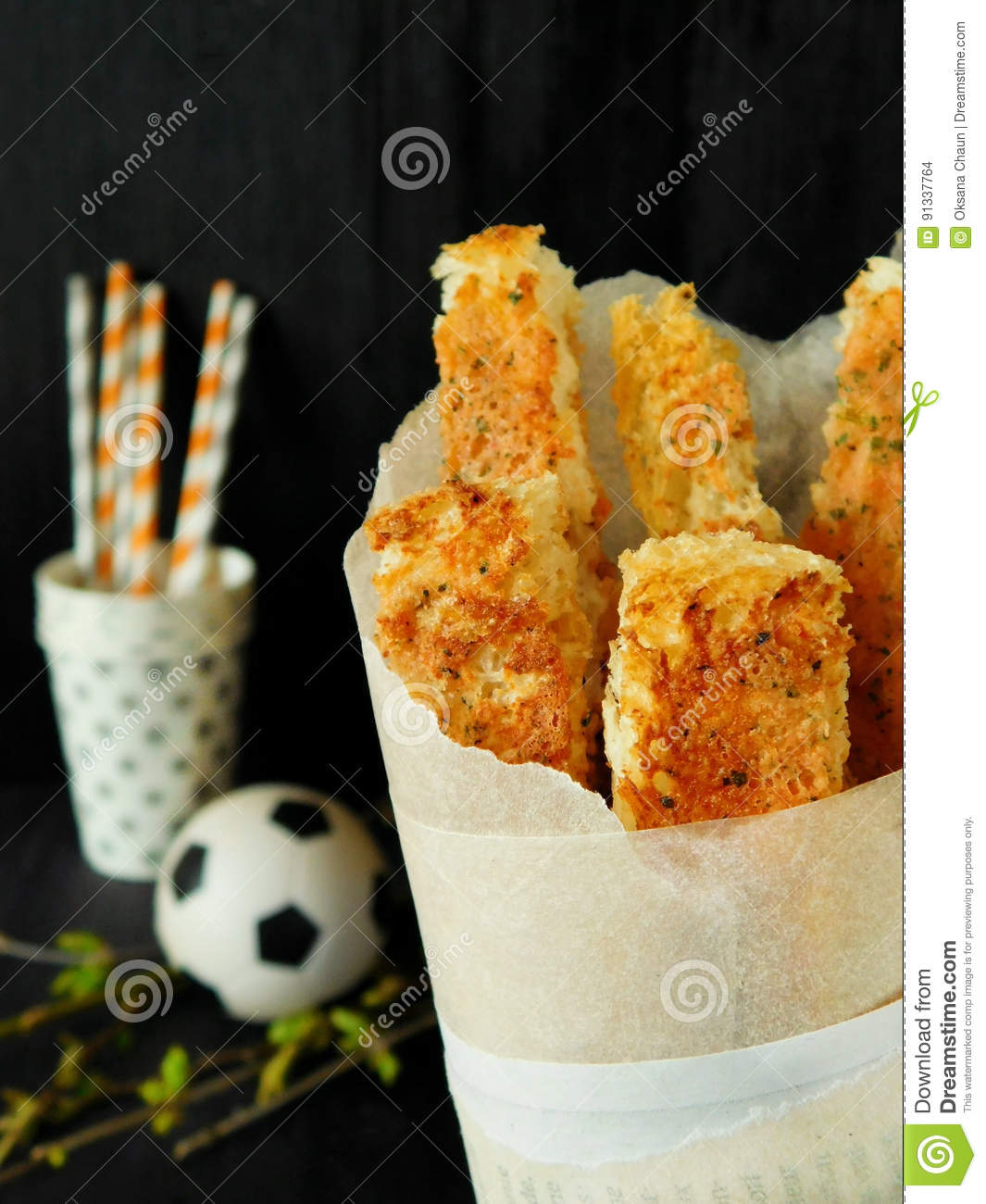 eff40325f73e1 Crispy Snacks In A Paper Bag Stock Photo - Image of chips, party ...