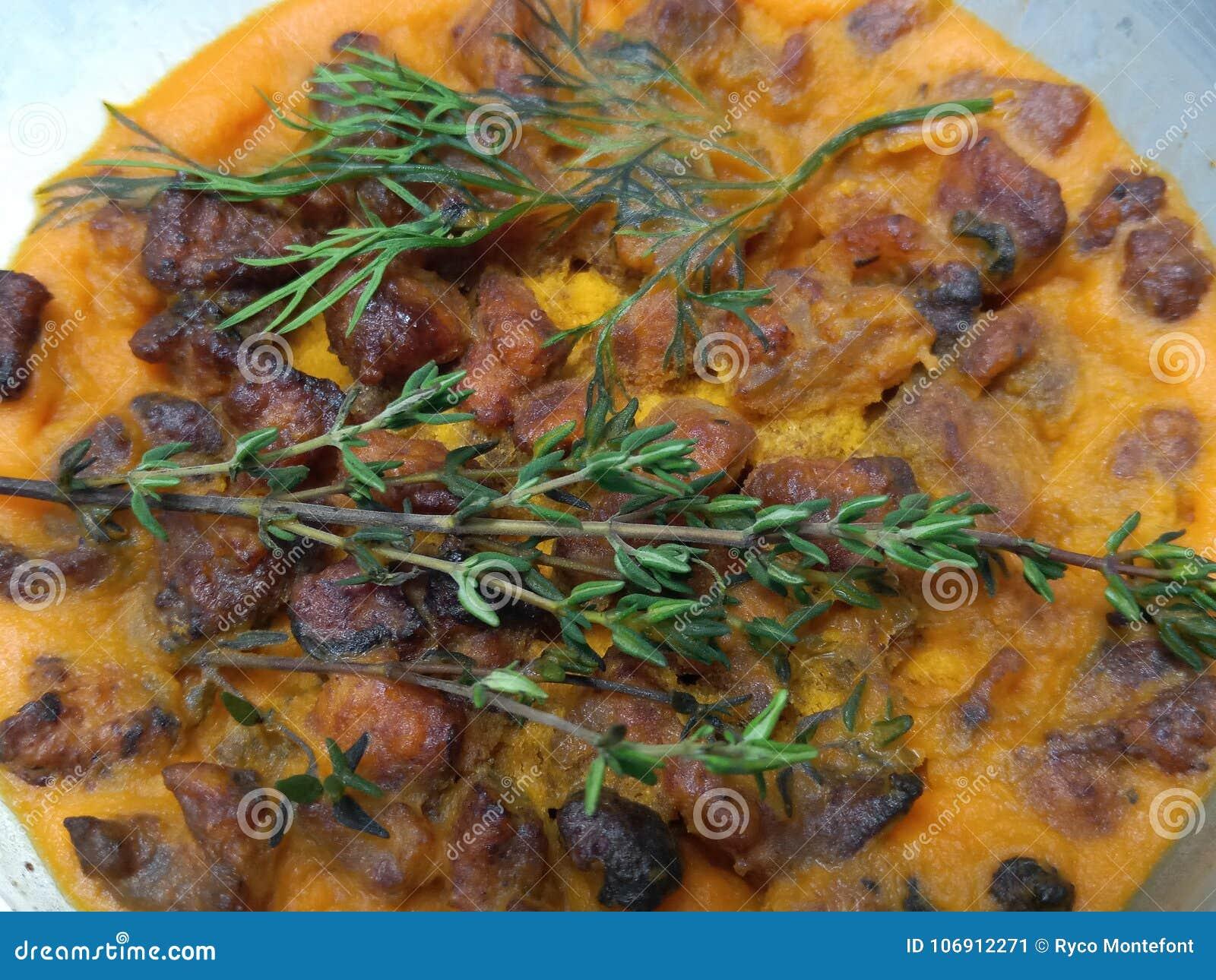 Crispy wieprzowina chroboty w larde