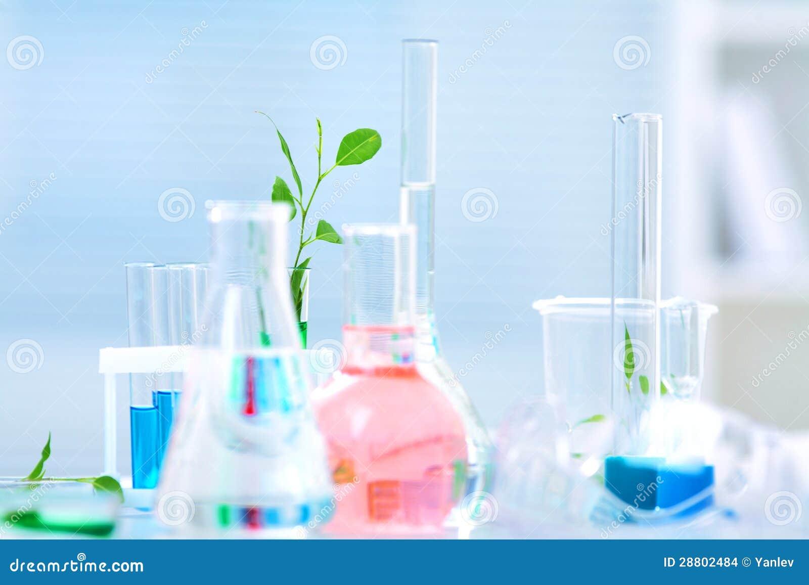 Посуда химическая лабораторная, изделия из стекла, кварца, фарфора, металлов и др