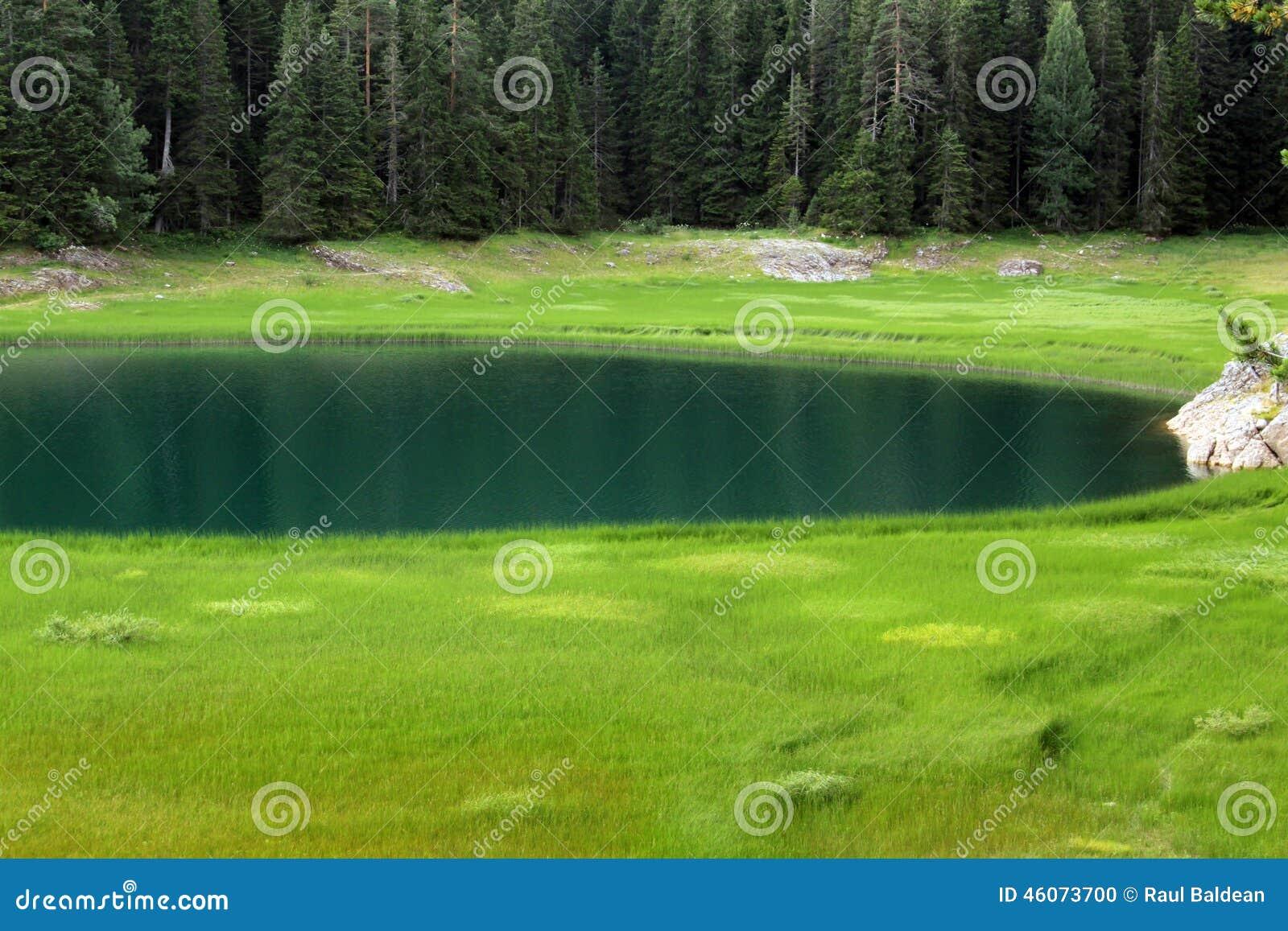 Crno Jezero (lago preto), parque nacional de Durmitor, Montenegro 03