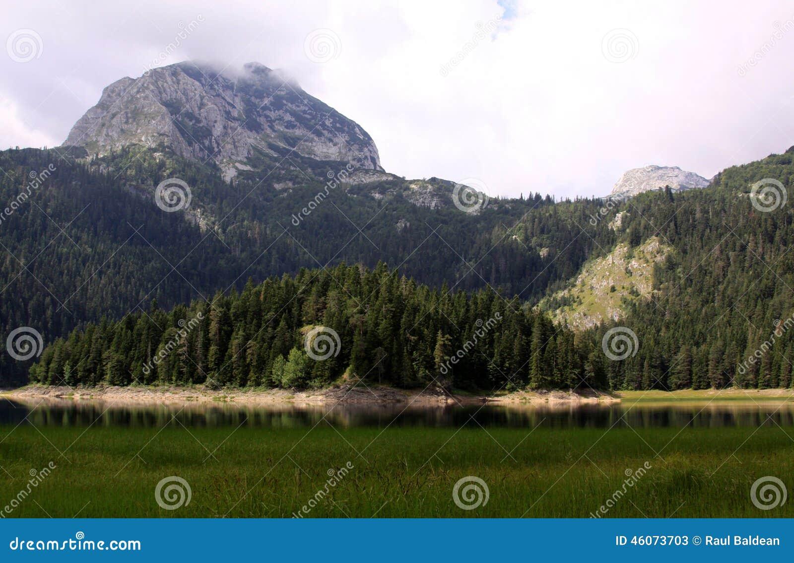 Crno Jezero (Zwart Meer), het Nationale Park van Durmitor, Montenegro 04