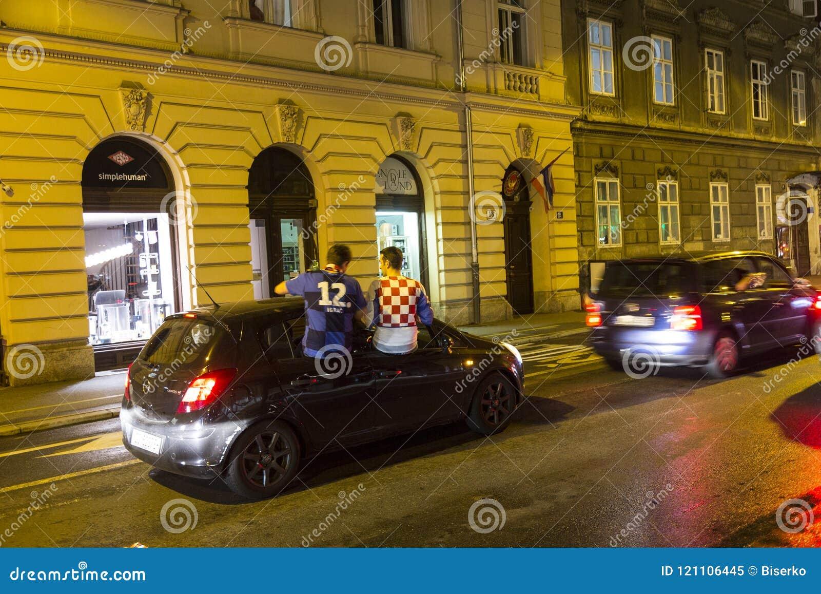 Croatians in Zagreb viert overwinning tegen Engeland in semi def. van Wereldbekerdef.