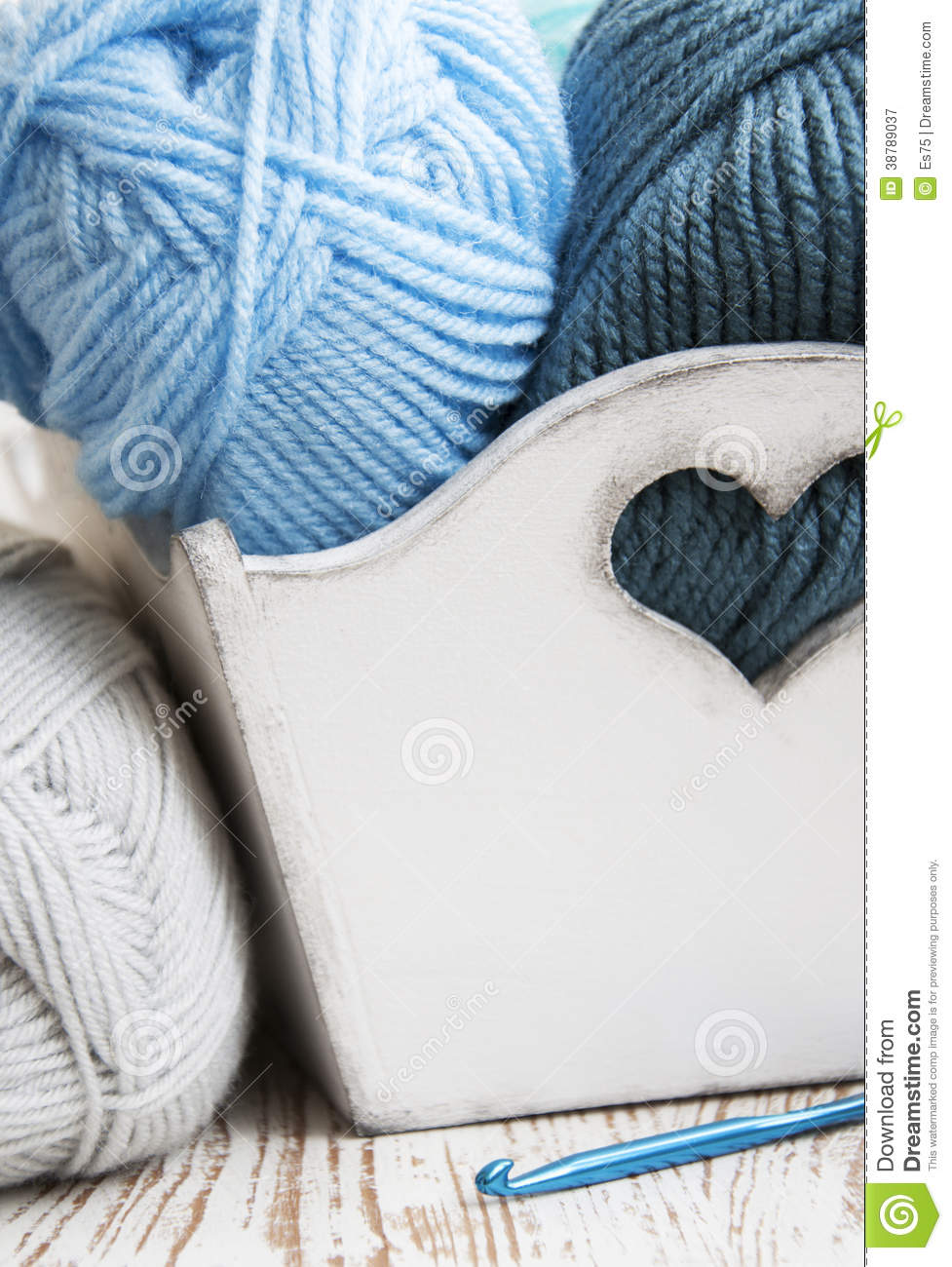 Crochet Knitting Yarn : Crochet Hook And Knitting Yarn Stock Photo - Image: 38789037