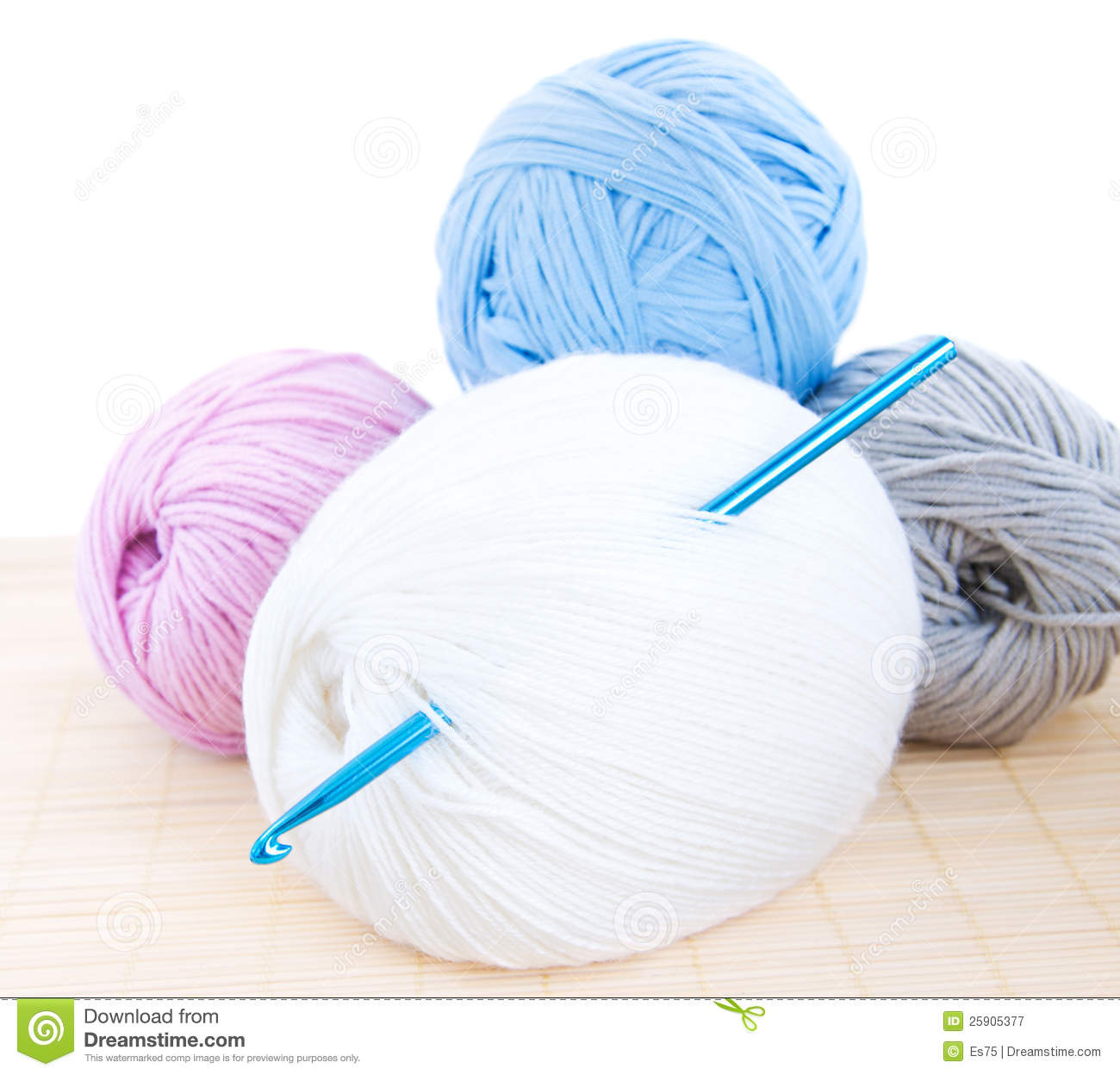 Crochet Hook And Yarn Royalty Free Stock Photography - Image: 25905377