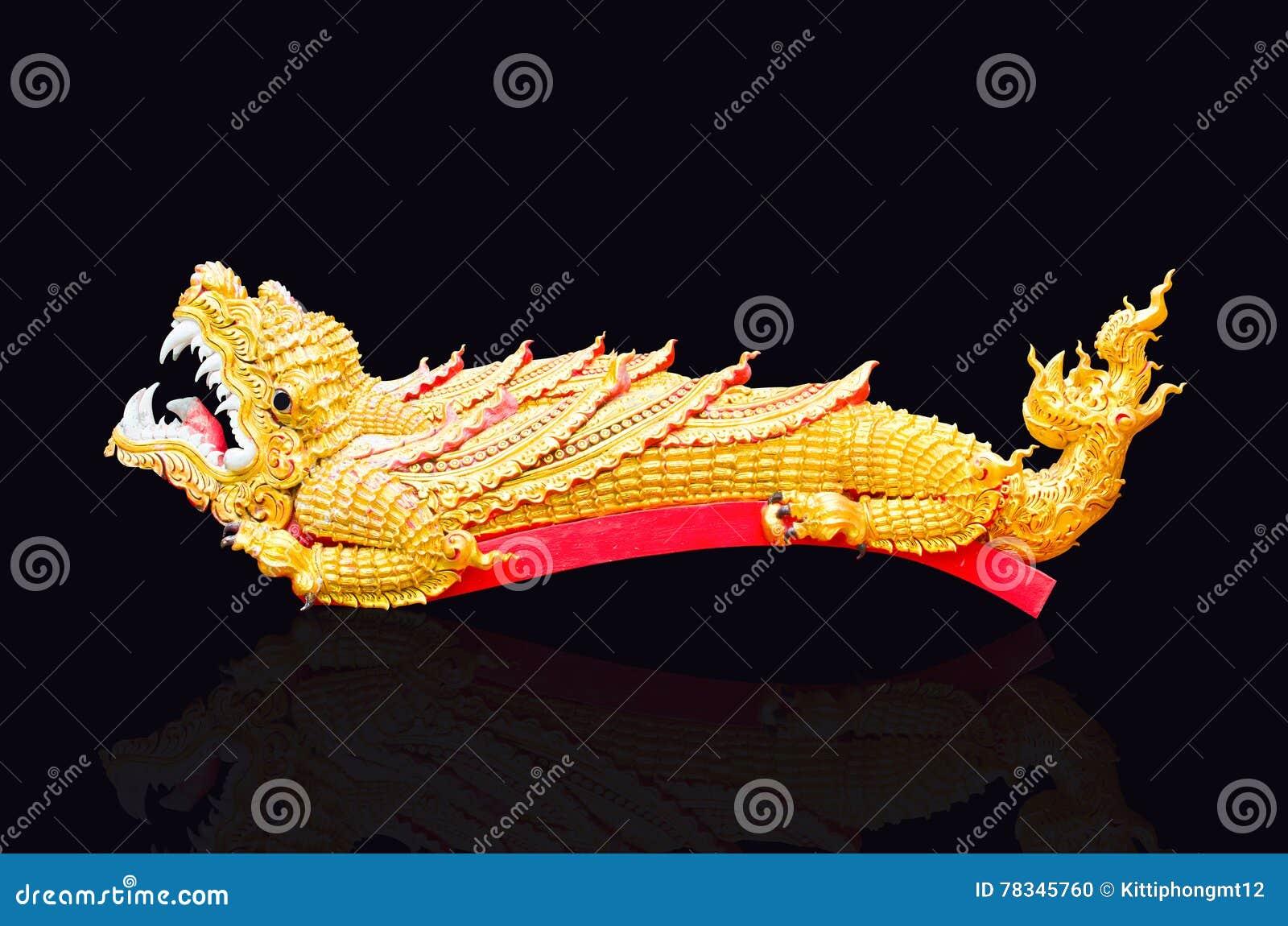 5cf0c9f29 Crocodilo Dourado No Assoalho Preto Foto de Stock - Imagem de ...