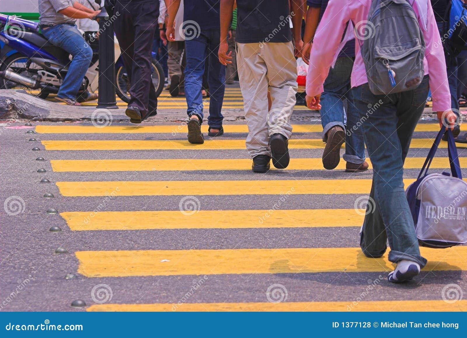 Croisement de gens