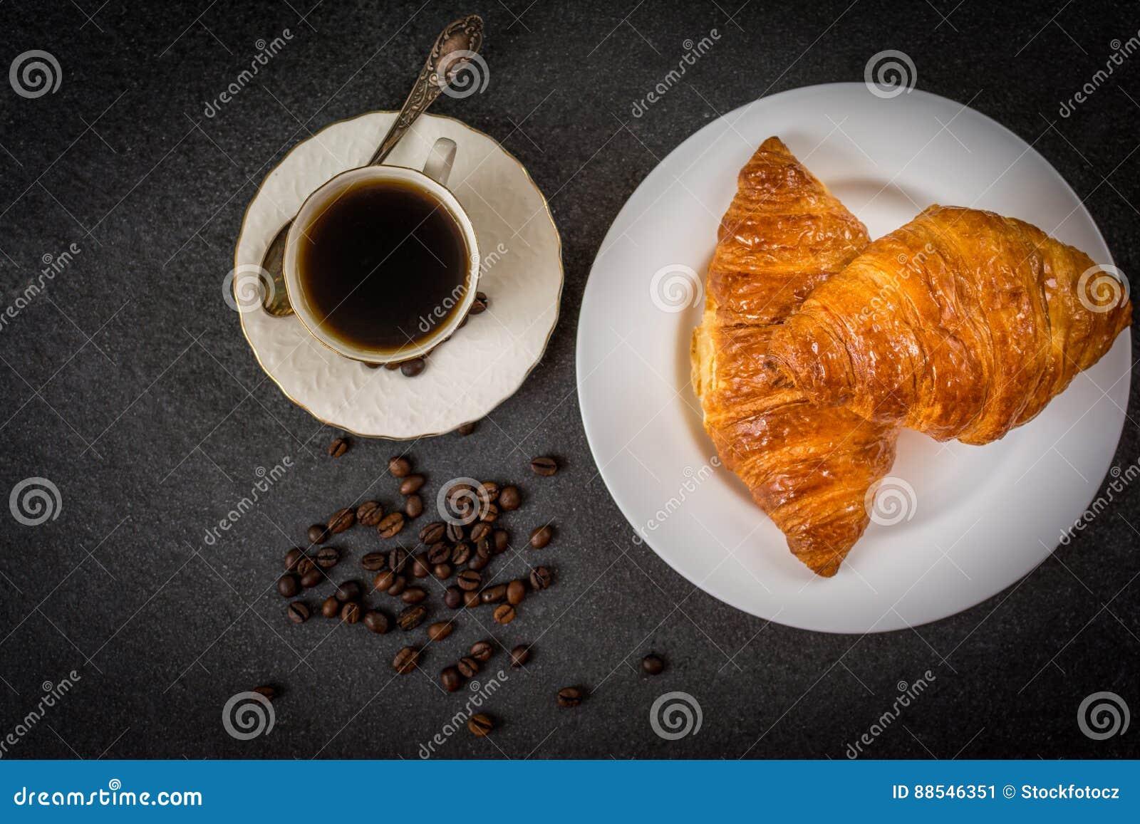 Croissant e caffè