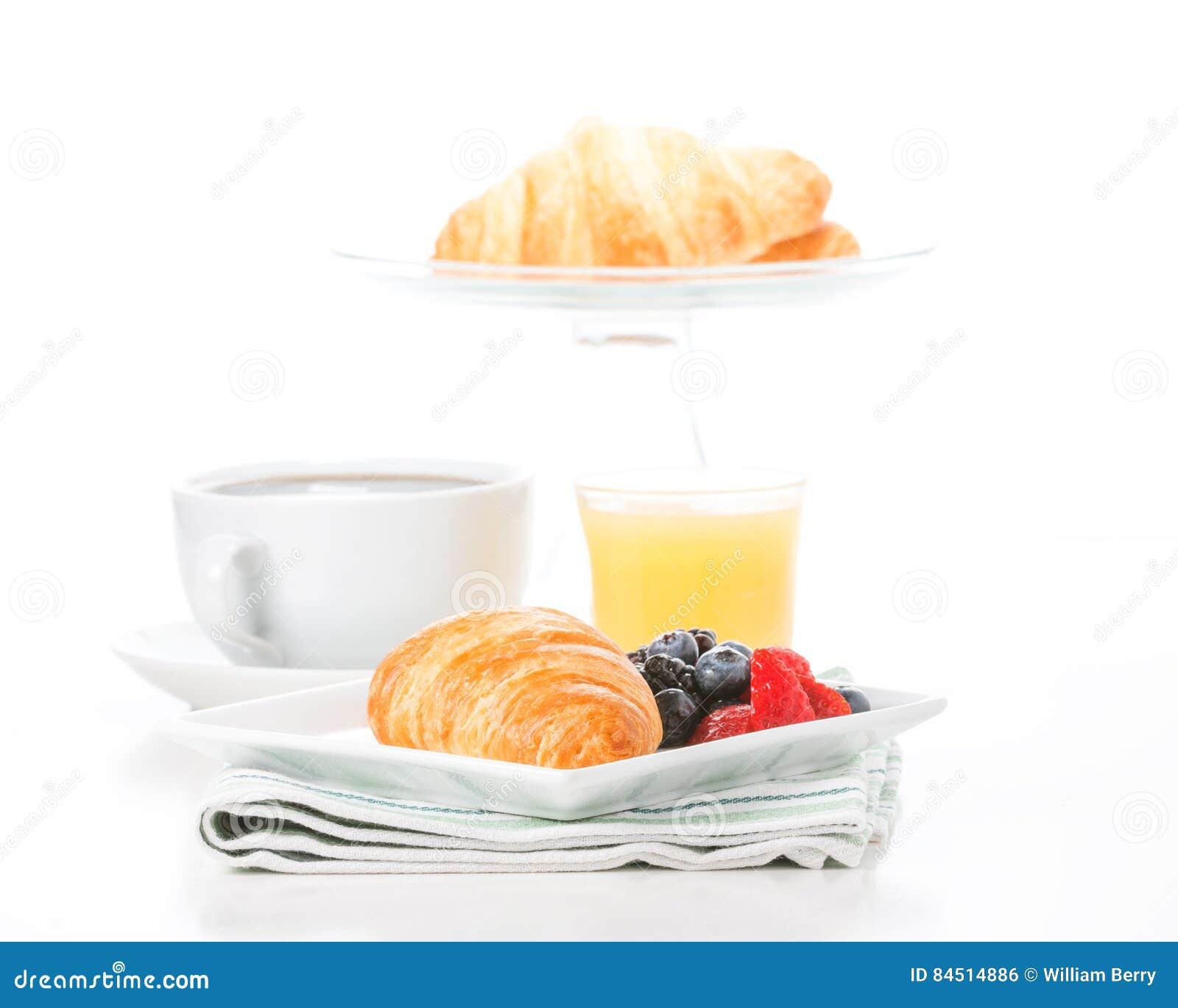 Croissant e fruto frescos