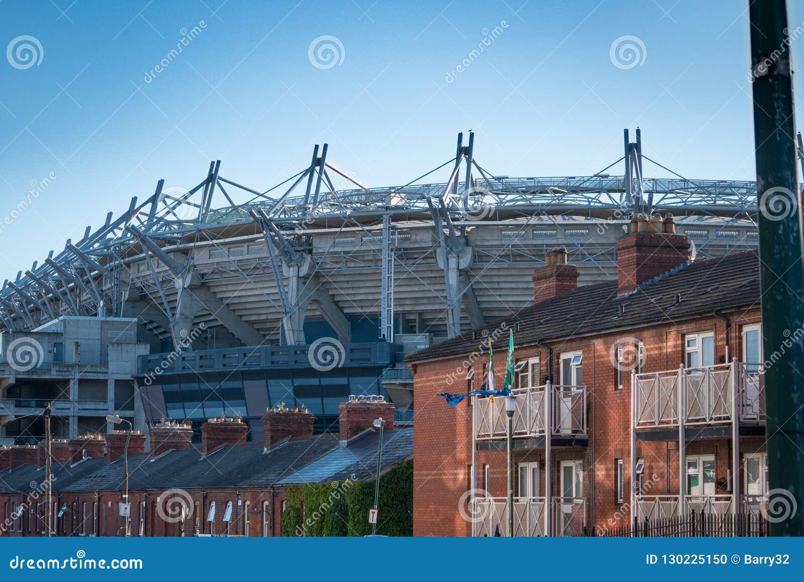 Croke Parkuje GAA, Gaelic gry stadium w Dublin/, za dachami domy