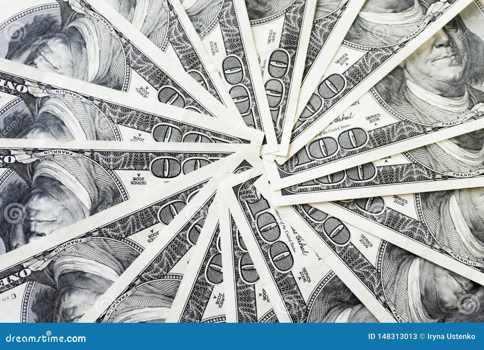 Crolled-Stapel von 100 Dollarscheinen, schlie?en herauf Banknote