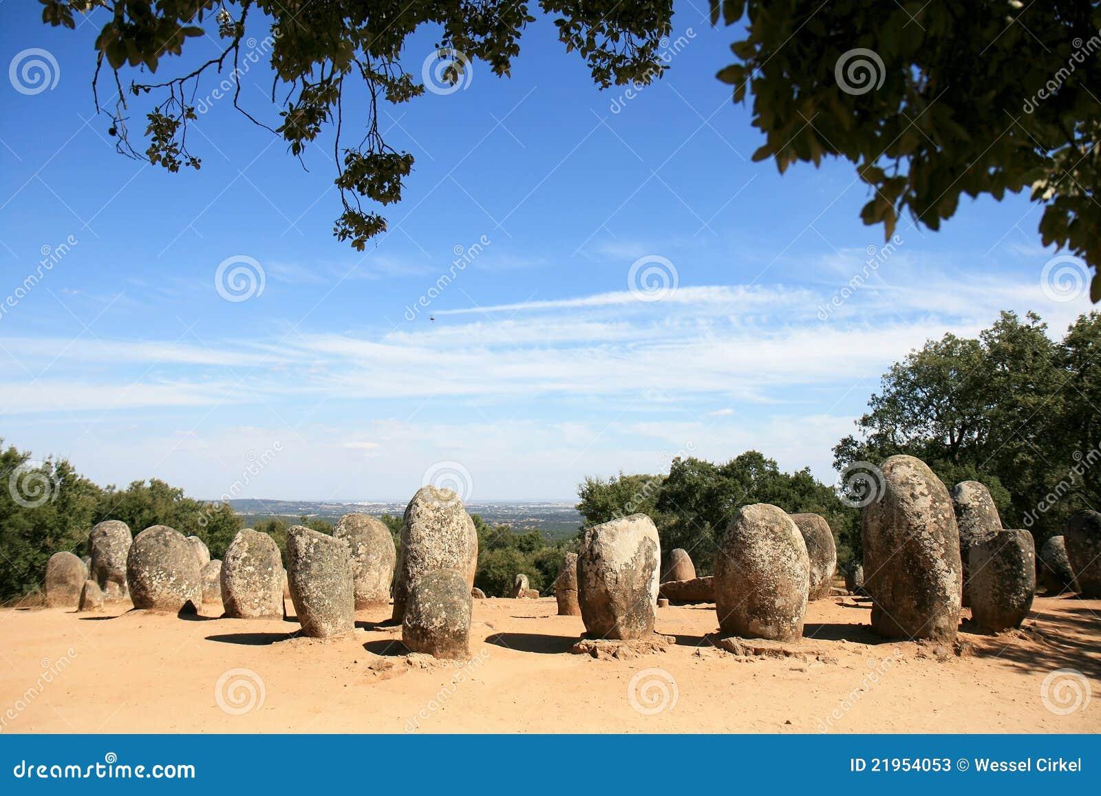 Cromeleques de Almendres cerca de Evora en Portugal