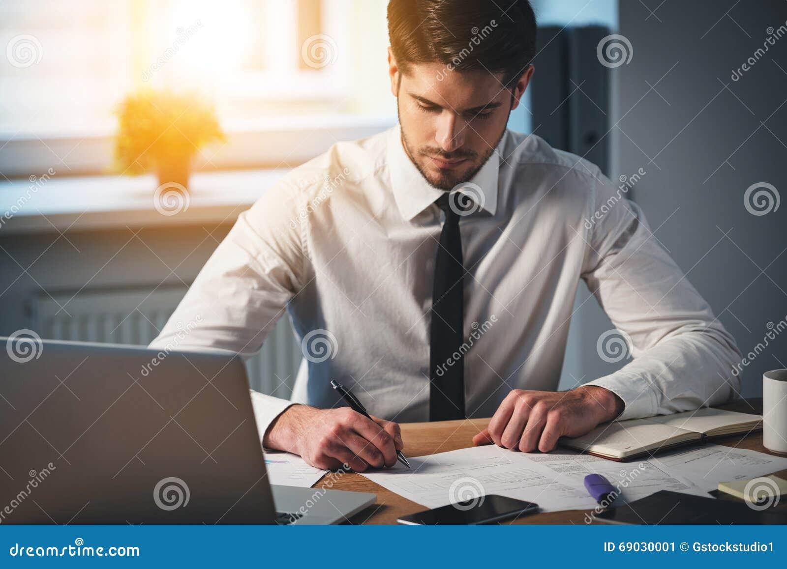 Cronometre para assinar alguns contratos