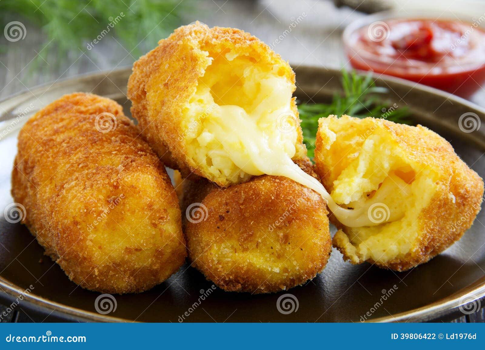 croquettes de pomme de terre avec du mozzarella photo stock image du potatoes frit 39806422. Black Bedroom Furniture Sets. Home Design Ideas