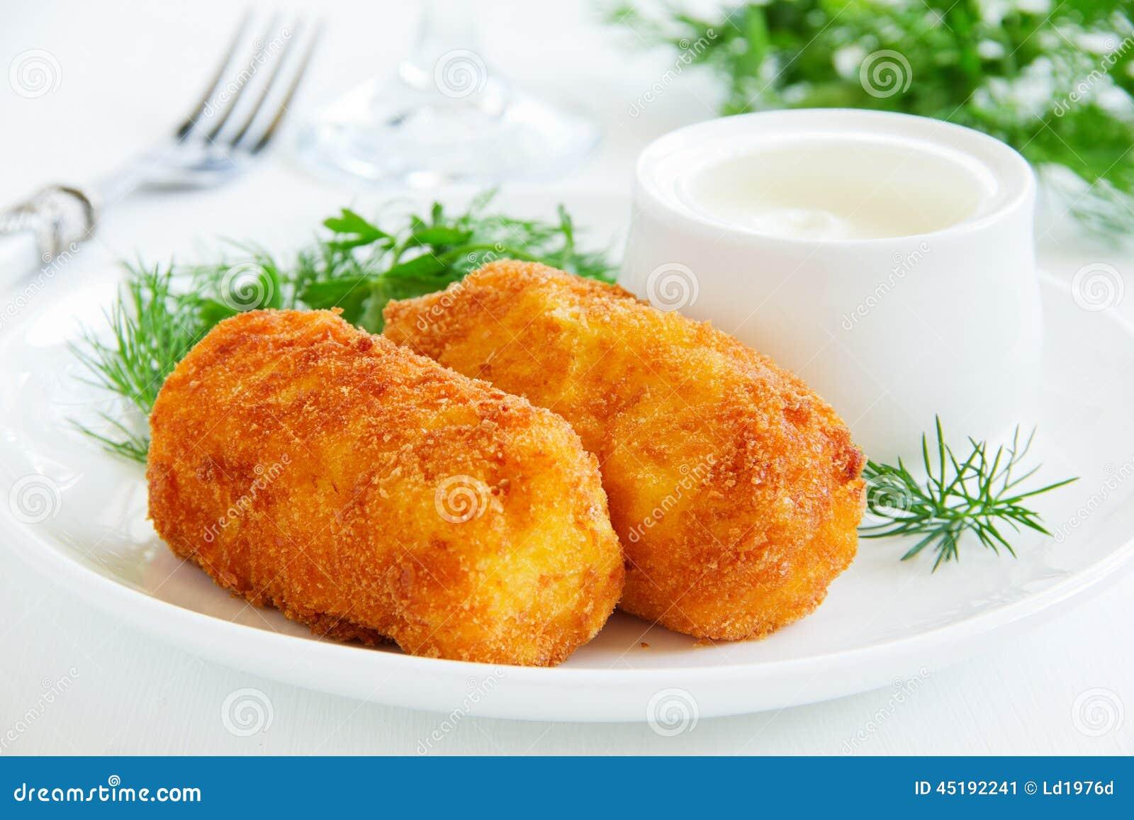 croquettes de pomme de terre avec du mozzarella image stock image du tater croquettes 45192241. Black Bedroom Furniture Sets. Home Design Ideas