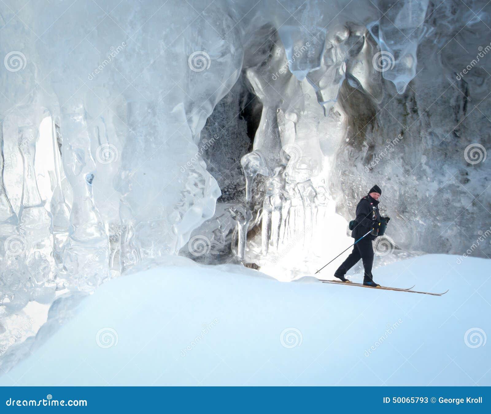 Cross County Skifahren-Eishöhle