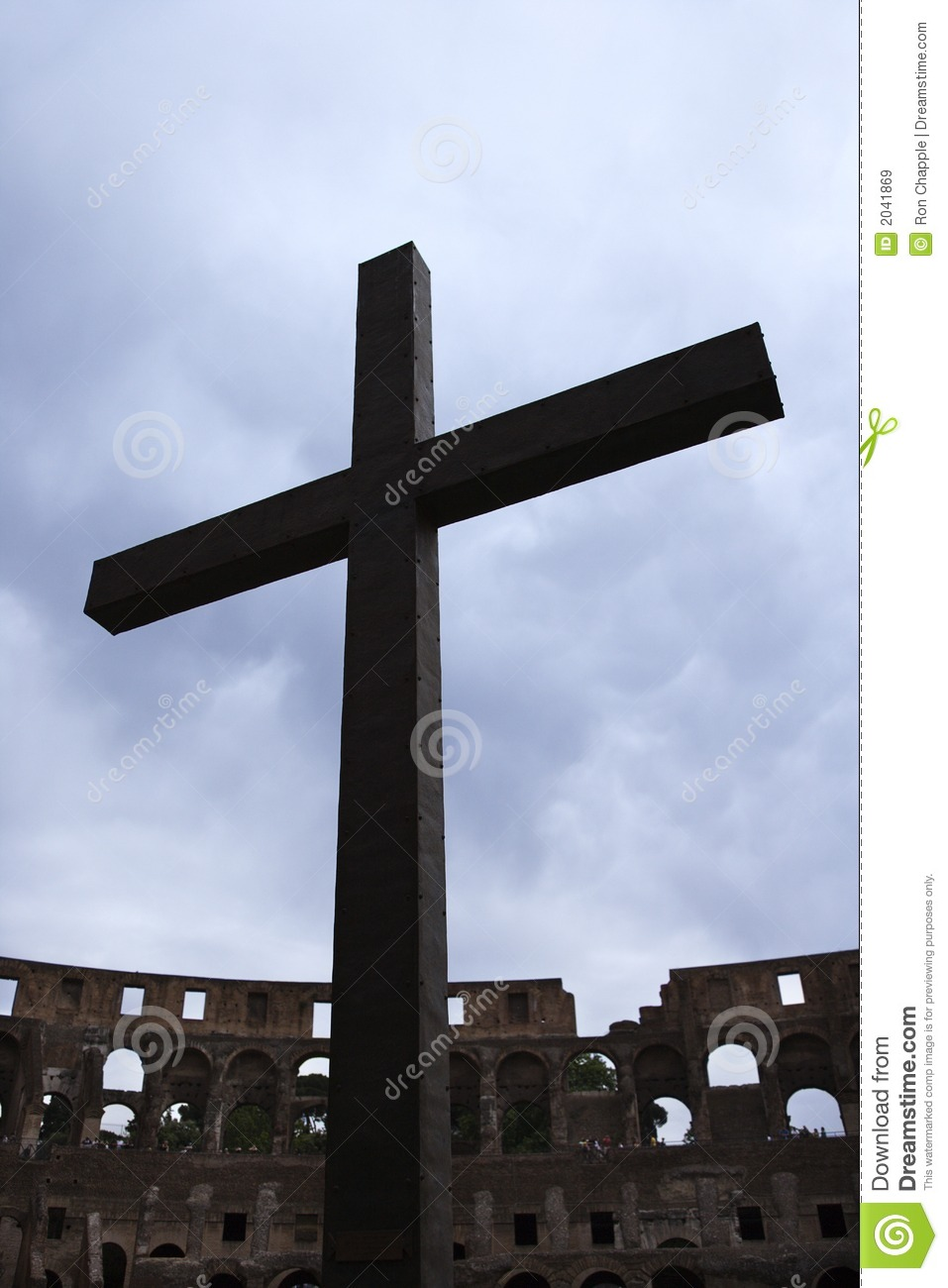 Cross Inside The Roman Coliseum Italy Royalty Free Stock