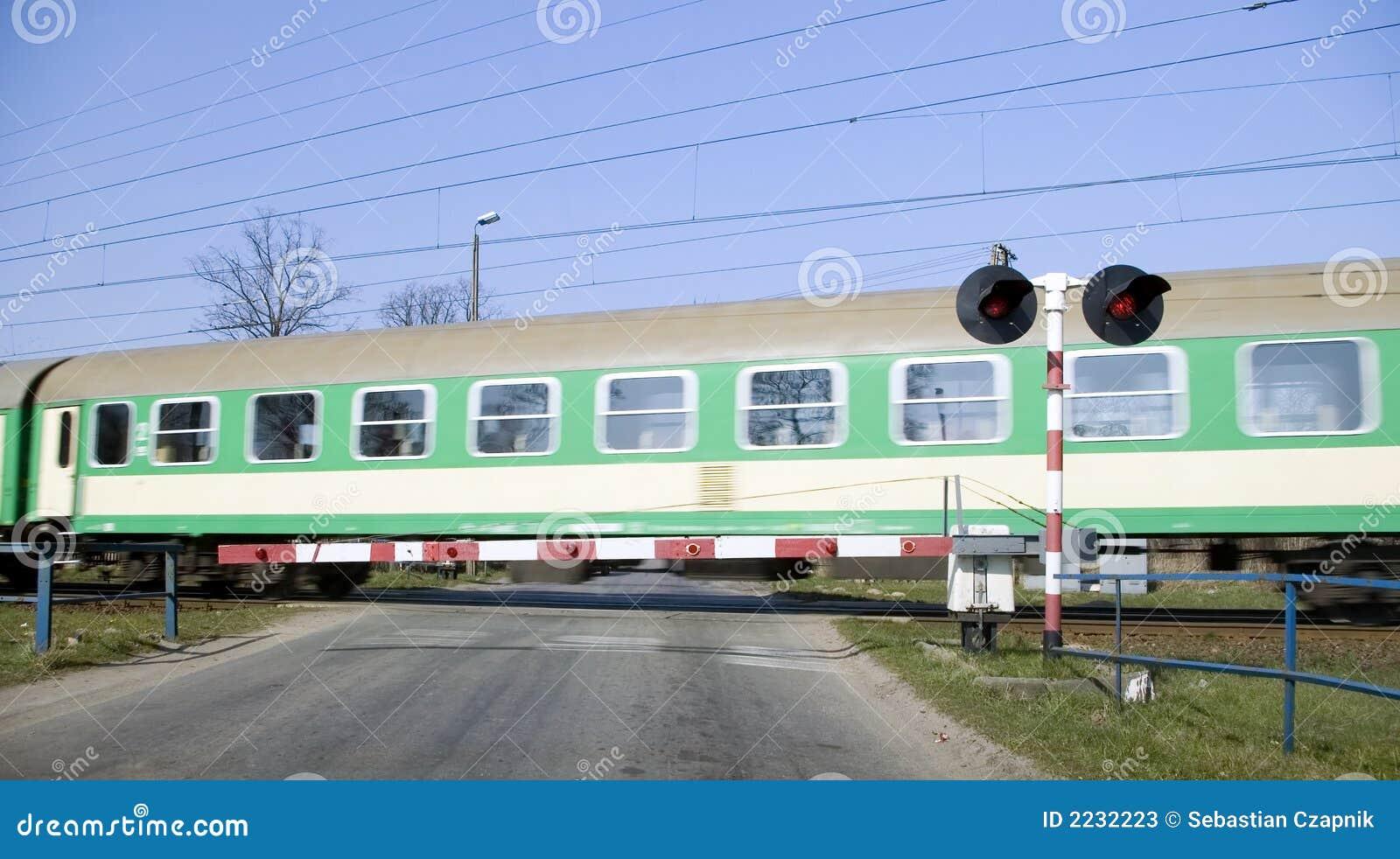 Crossing green train