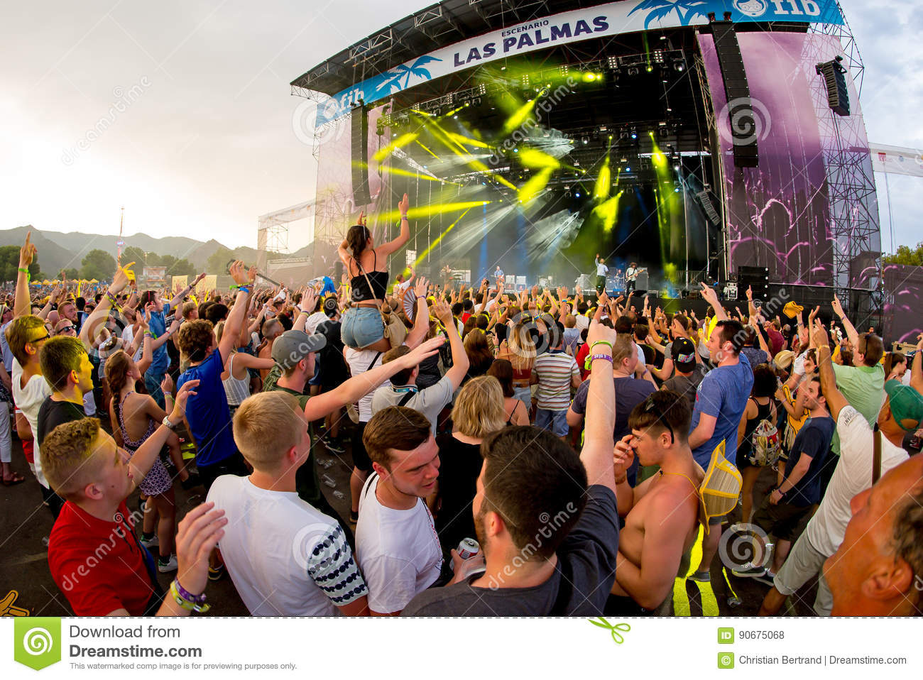 Crowd in a concert at FIB Festival