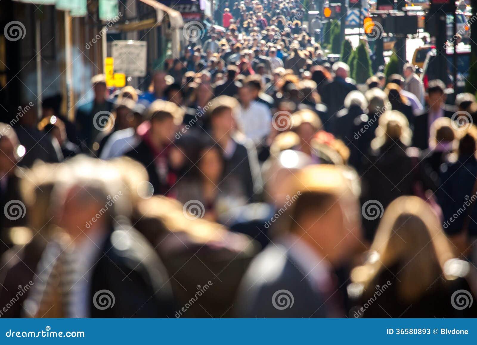 Толпой на улице 17 фотография