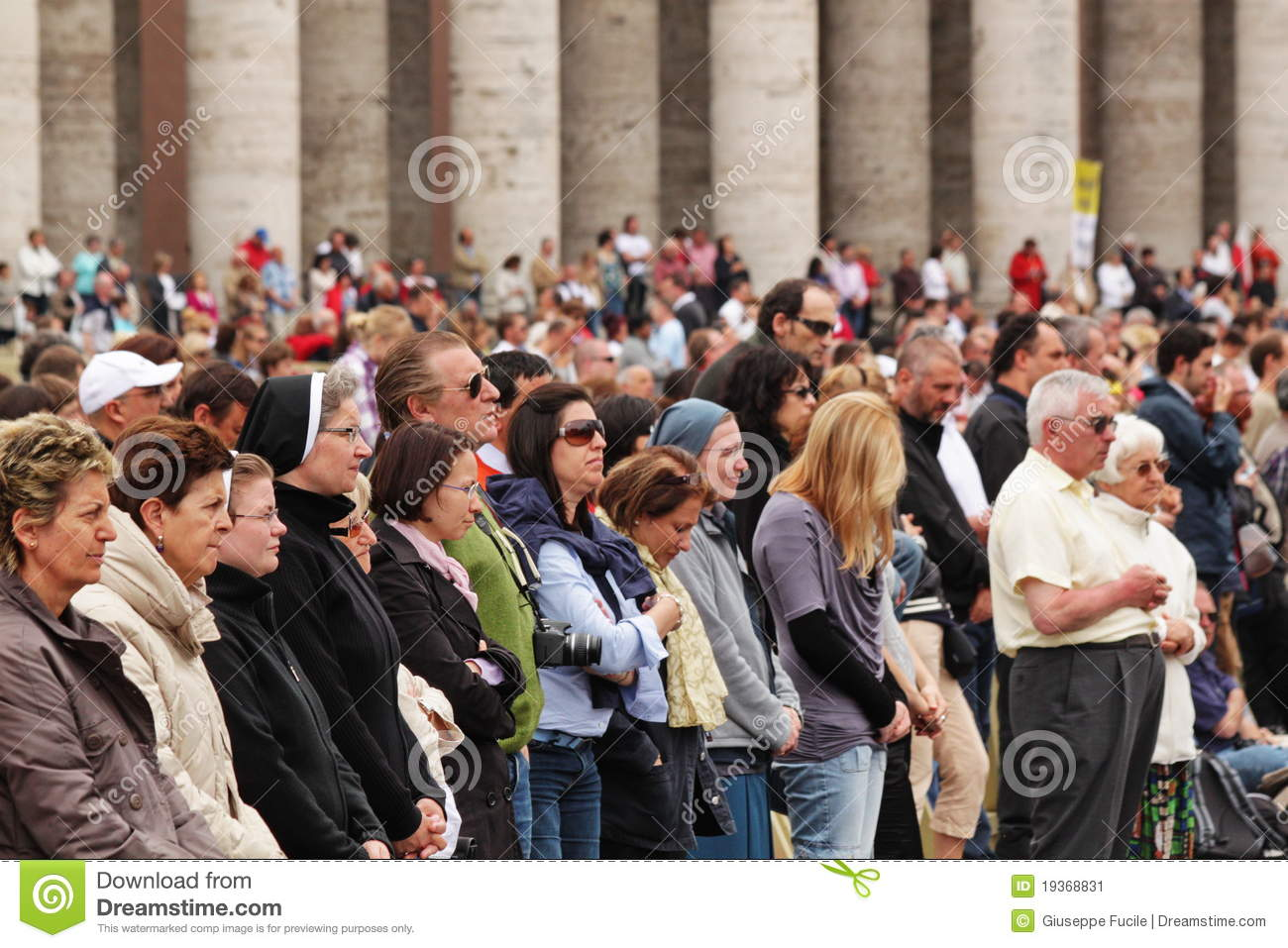 Crowd in st peter s square
