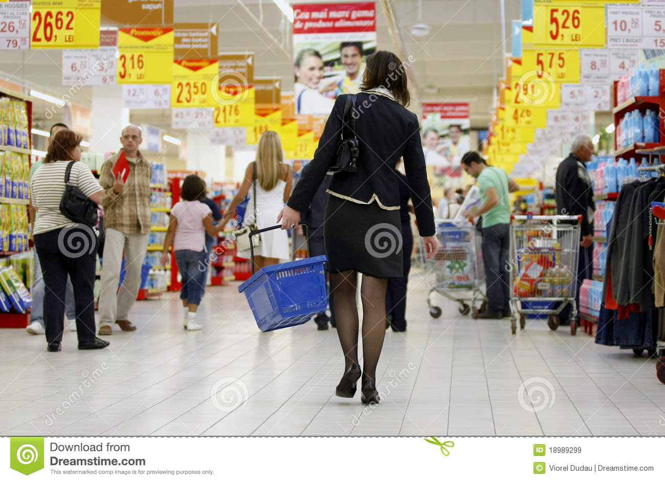 a description of a busy supermarket Instruct students to put their names on their papers and collect all of the writing sampleswriting – step by step instructions – level c: learning and thinking skills – using adjectives matches: this is a very busy and crowded supermarket.
