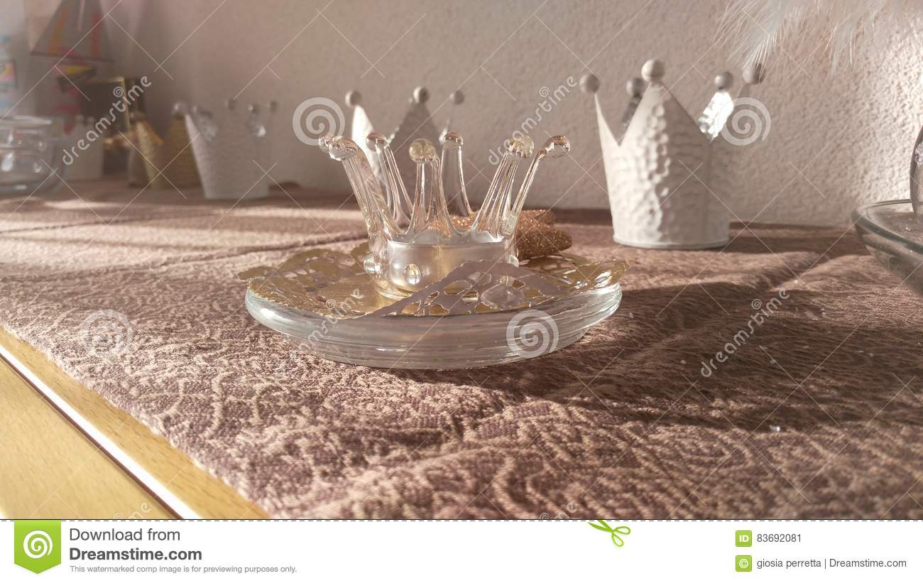 Captivating Table Decorations Kings And Queens Crown