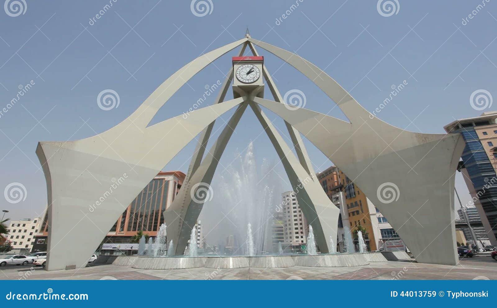cruce giratorio de la torre de reloj en dubai almacen de video vdeo