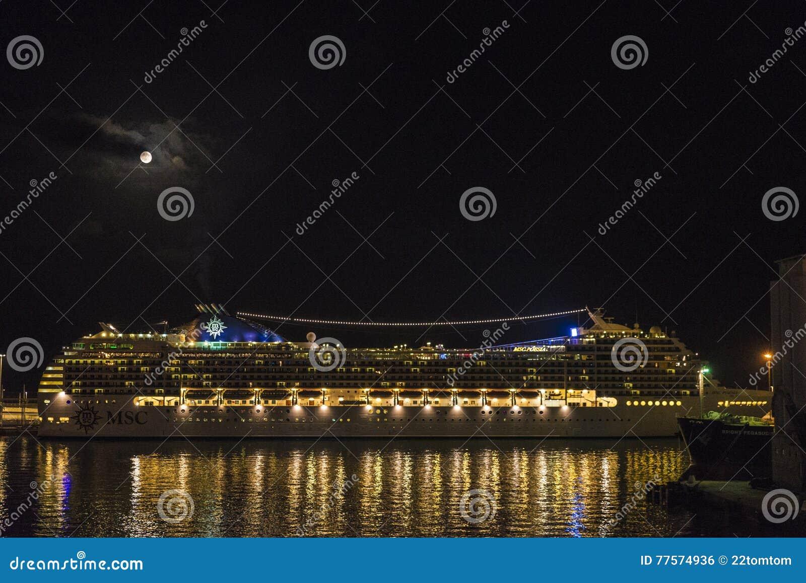Cruise on a full moon night, Barcelona