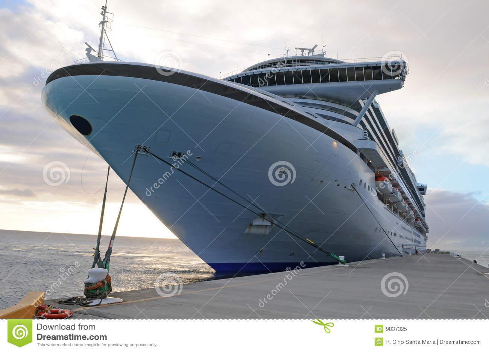 Cruise Ship Anchored Royalty Free Stock Photo - Image: 9837325