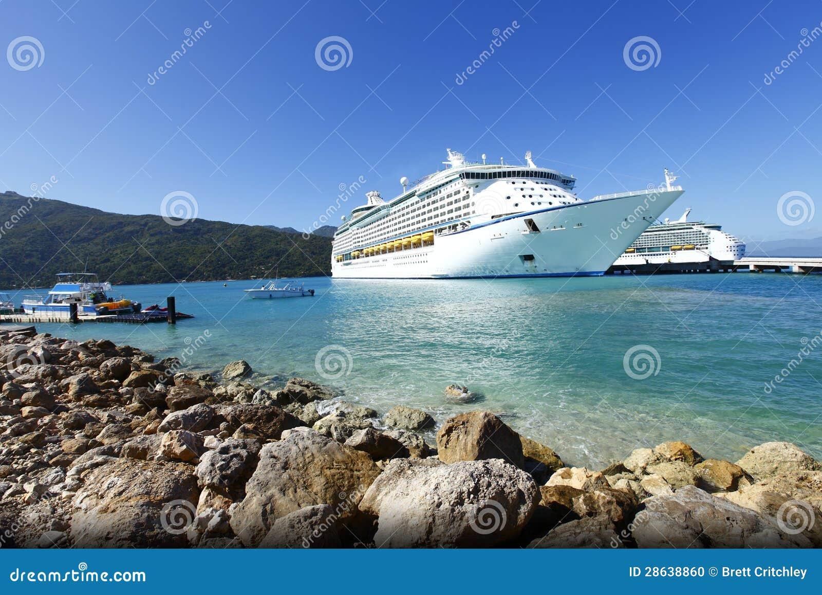 vacation cruise: