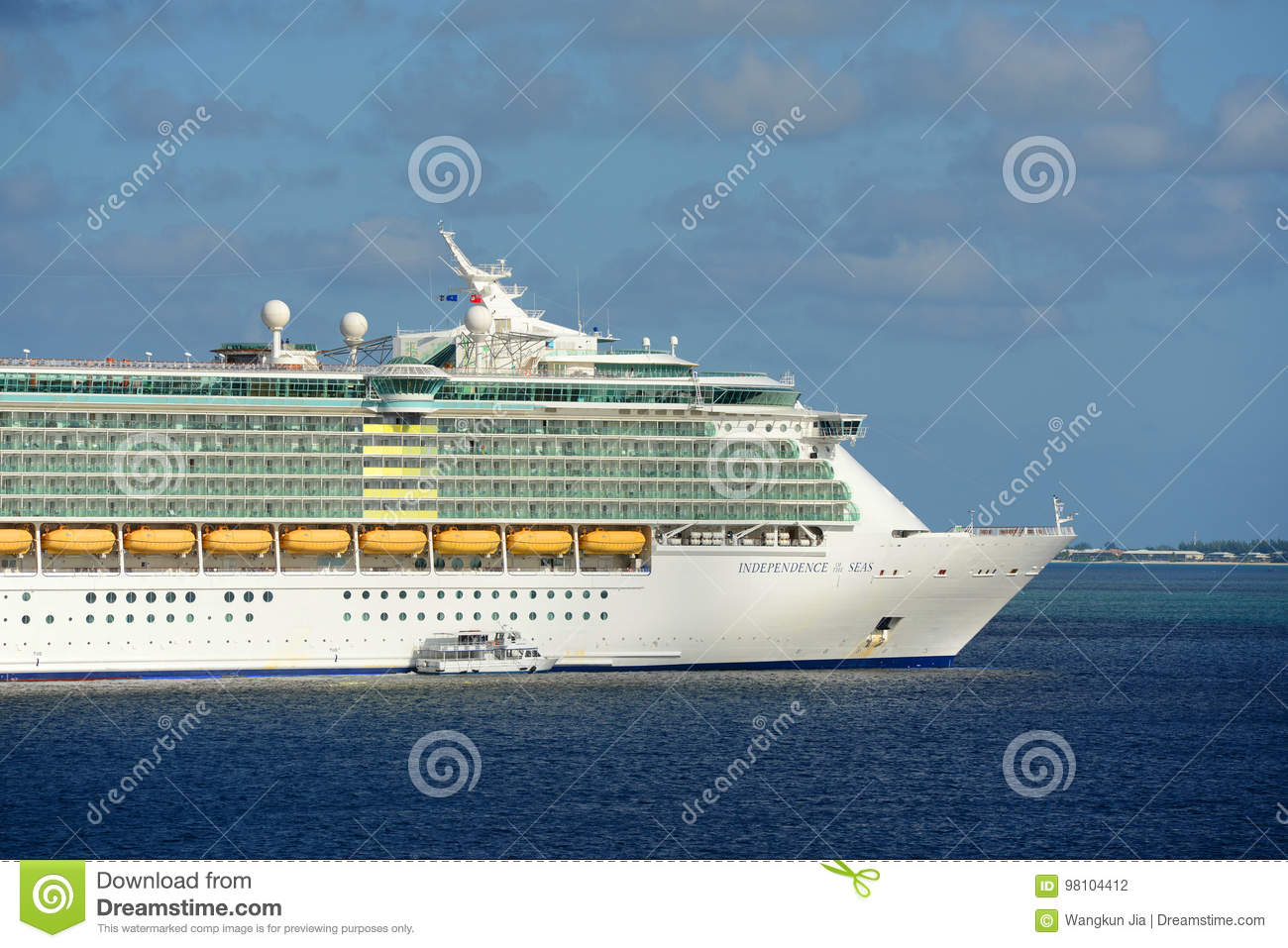 Cruise Ship Independence Of The Seas In Cayman Islands Editorial - Cruise ship independence