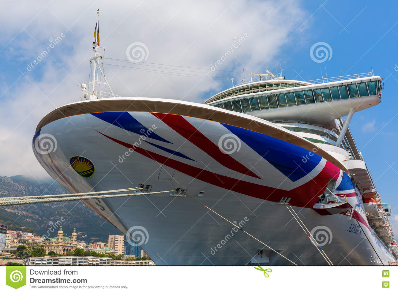 What are the largest cruise liners currently in service?