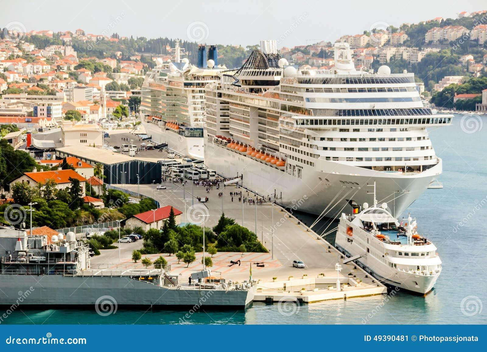Large cruise ships in harbour Dubrovnik, Lapad peninsula, Dalmatia ...
