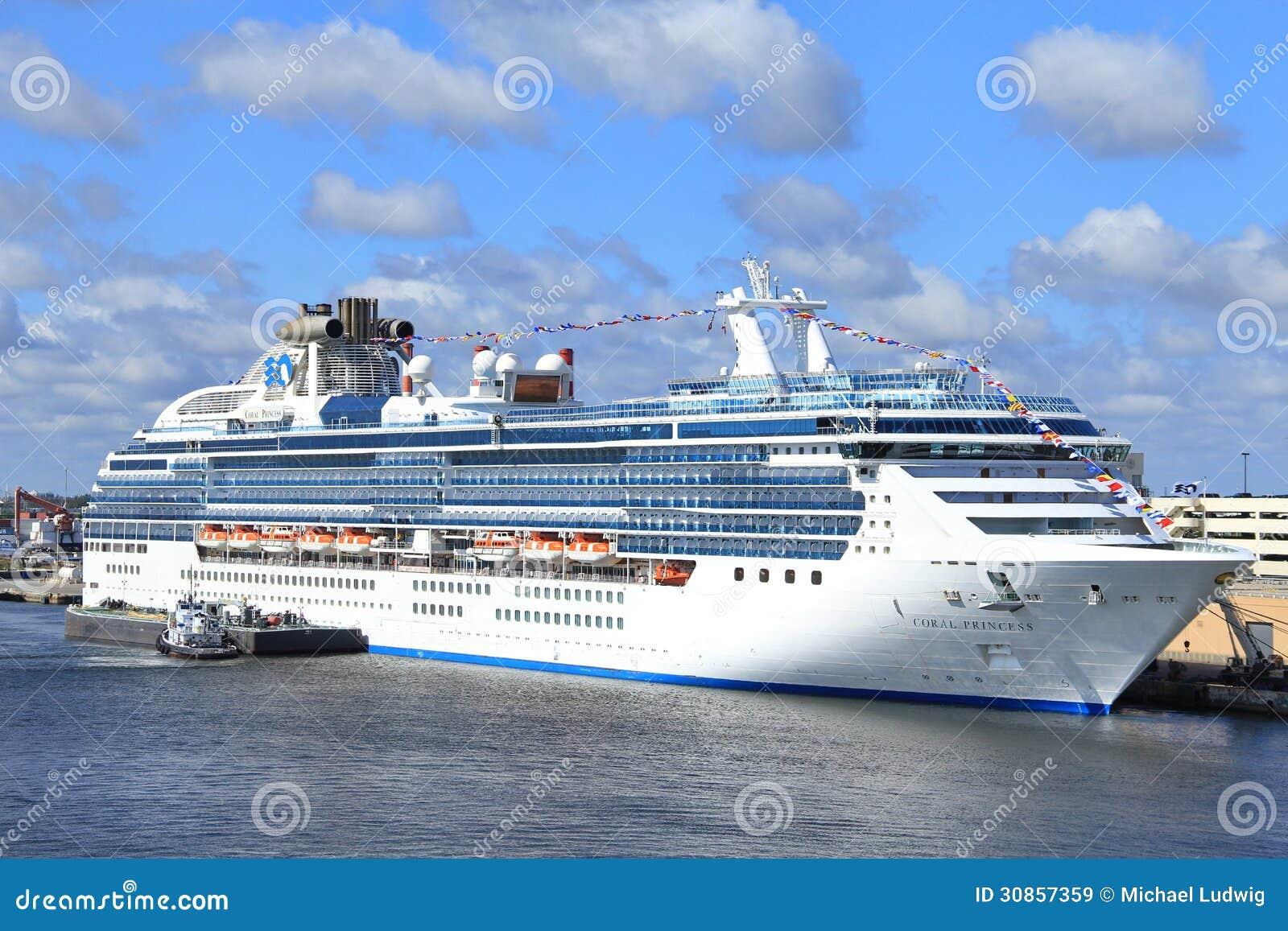 Cruiseschepen Redactionele Stock Afbeelding Beeld 30857359