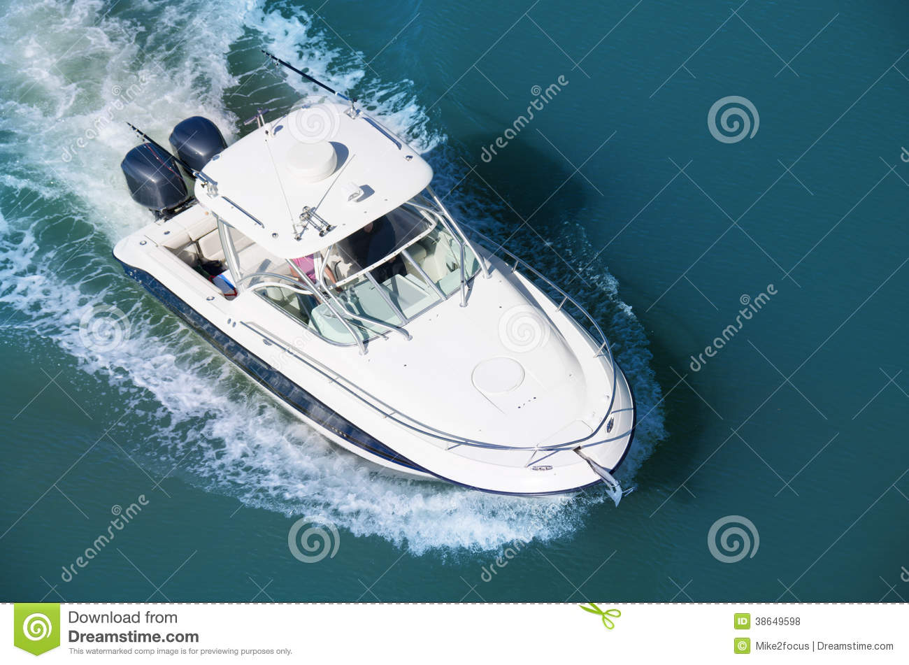 Cruising motor boat with two motors aerial