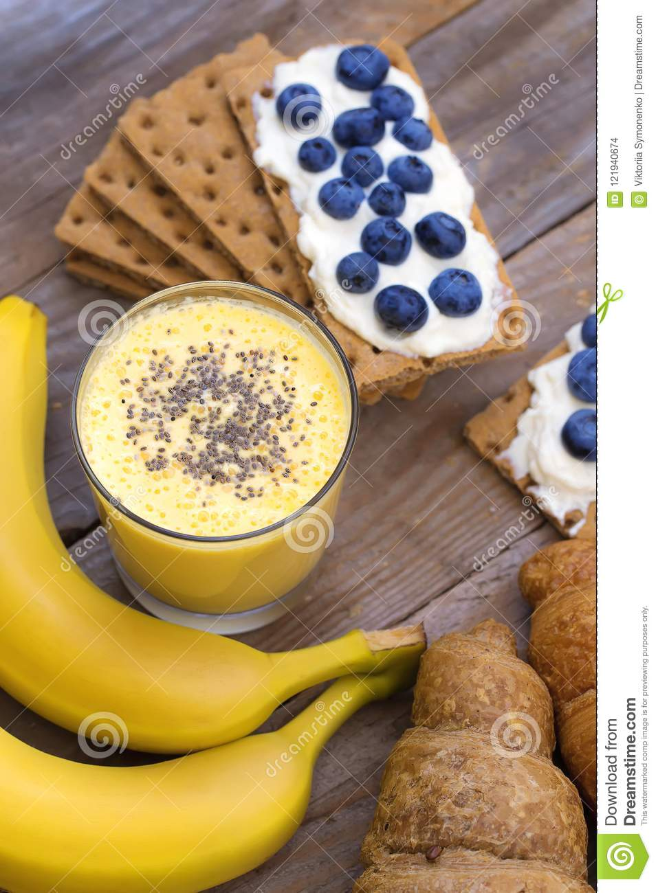 Crunchy cereal breakfast, banana smoothie.