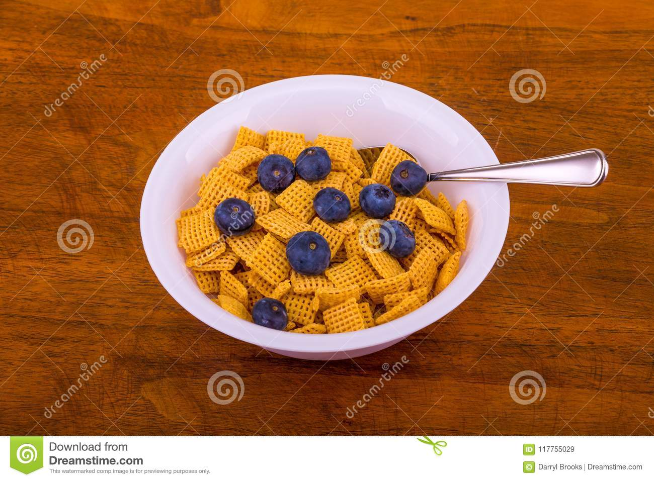 Crunchy Corn Cereal with Blueberries