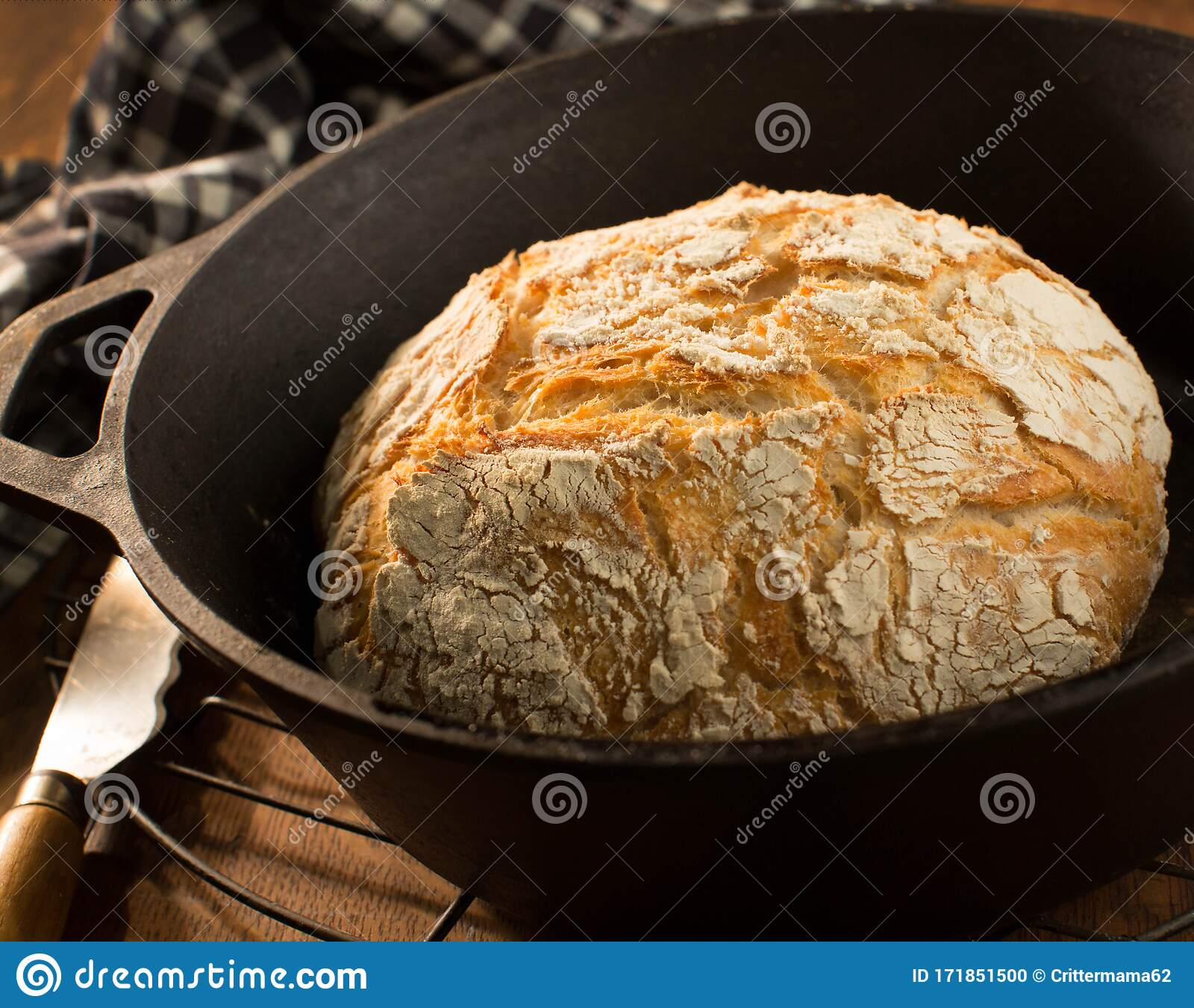 Crusty Round Loaf Of French Bread In Cast Iron Dutch Oven Stock Photo Image Of Oven Home 171851500